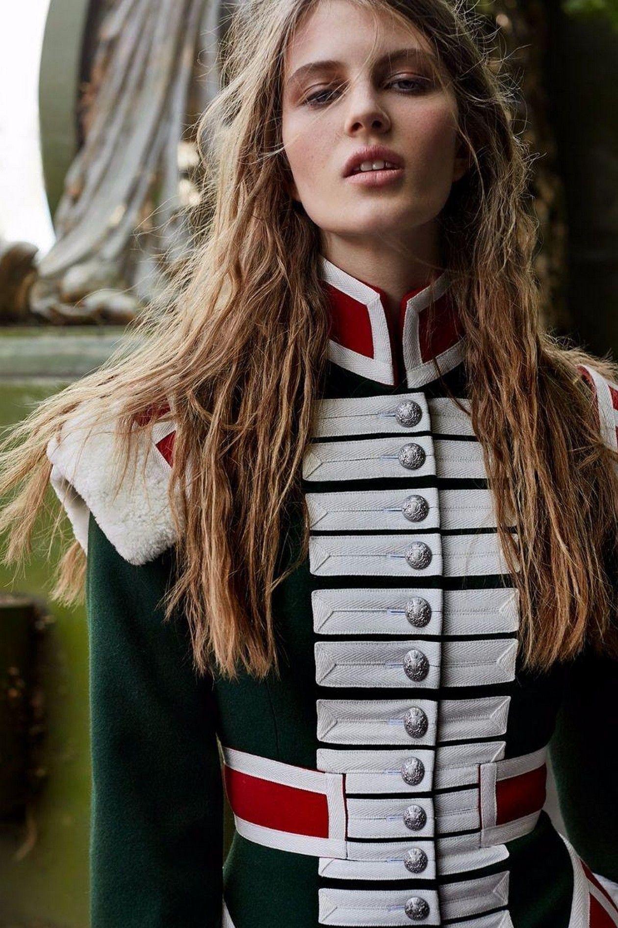 Florence Kosky - Model / Harper's Bazaar UK Girls About Town / published: November 2017 / Agata Pospieszynska - Photographer Charlie Harrington - Fashion Editor/Stylist Mirka Mysicka - Hair Stylist Florrie White - Makeup Artist